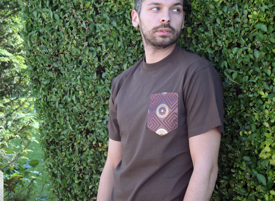 MICOBI Classic cut brown tee with brown pocket
